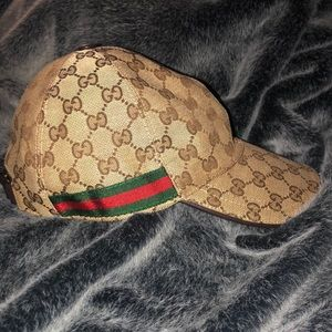 Guarantee 💯 AUTHENTIC!! Like New Gucci Hat